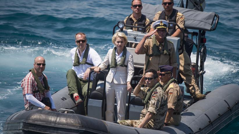 Flüchtlinge: Verteidigungsministerin Ursula von der Leyen