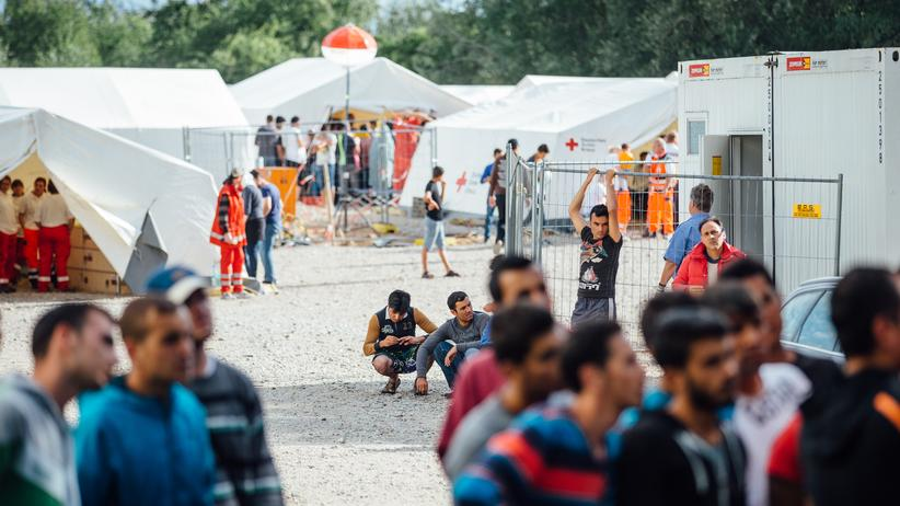 Flüchtlingscamp Dresden: Schweigen, verschleiern, lügen