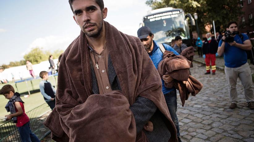 Asyl: Asylsuchender bei seiner Ankunft in Berlin