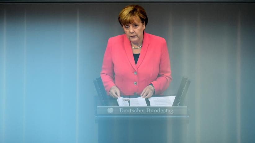 Politik, Angela Merkel, Syrien ,    Deutscher Bundestag,     Regierungserklärung,     Flüchtling,     Angela Merkel