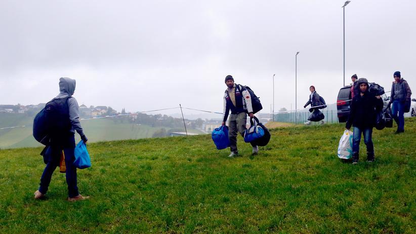 Flüchtlinge: Flüchtlinge an der österreichisch-deutschen Grenze