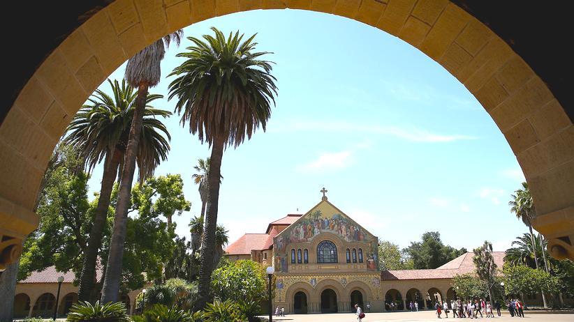 Betrugsverdacht: Stanford zieht Vorwurf gegen von der Leyen zurück