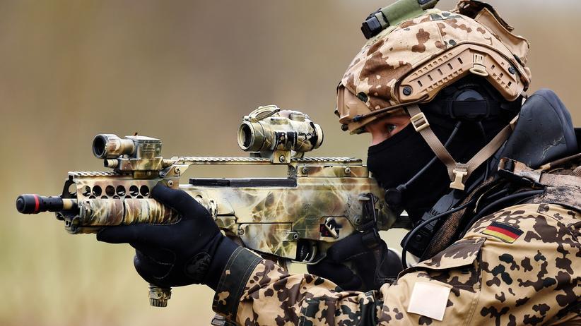 Umfrage: Mehrheit befürwortet bei Terror Bundeswehreinsatz im Inneren