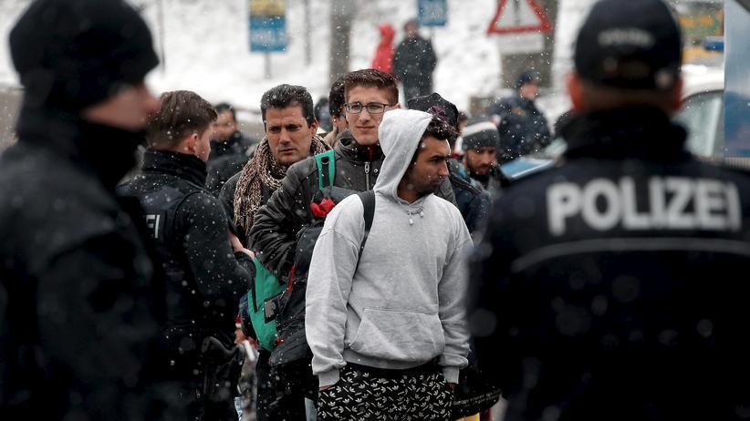 Flüchtlingskrise: Polizei gegen Grenzkontrollen mit bayerischen Landesbeamten