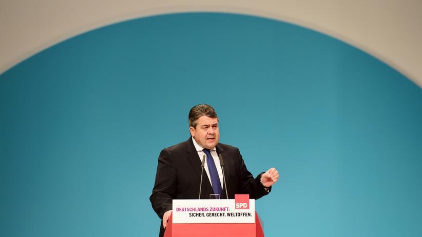 SPD-Bundesparteitag: Der SPD-Vorsitzende Sigmar Gabriel auf dem Bundesparteitag in Berlin