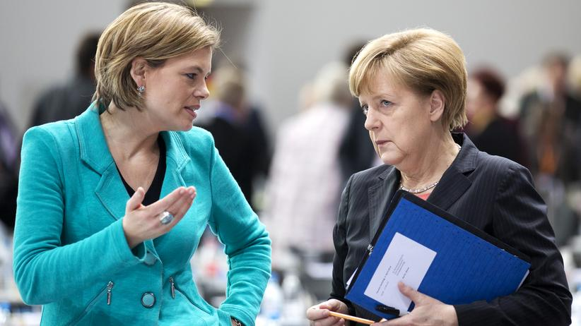 Flüchtlingspolitik: Die rheinland-pfälzische CDU-Chefin Julia Klöckner und Bundeskanzlerin Angela Merkel