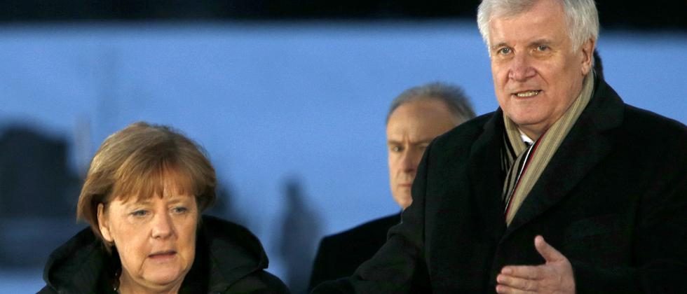 Bundeskanzlerin Angela Merkel und der Parteivorsitzende der CSU, Horst Seehofer