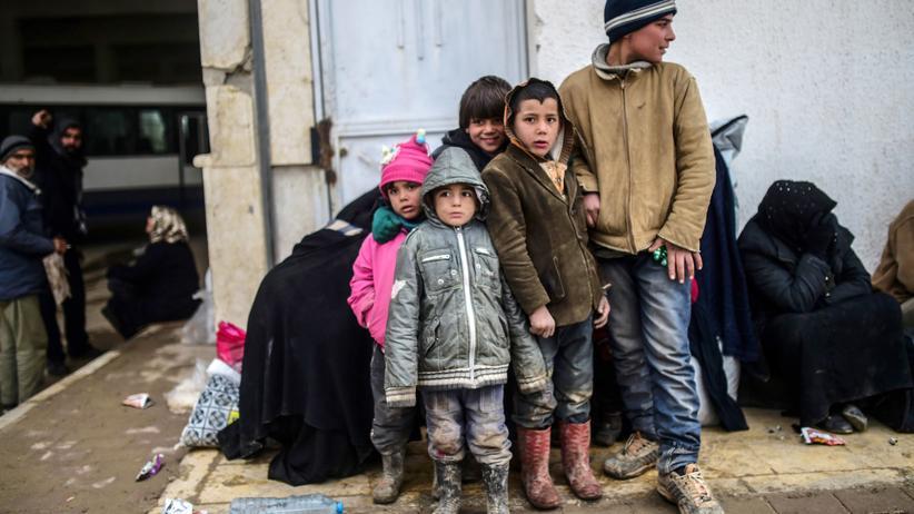 Asylpolitik: Flüchtlingskinder an der türkisch-syrischen Grenze (Archivbild)