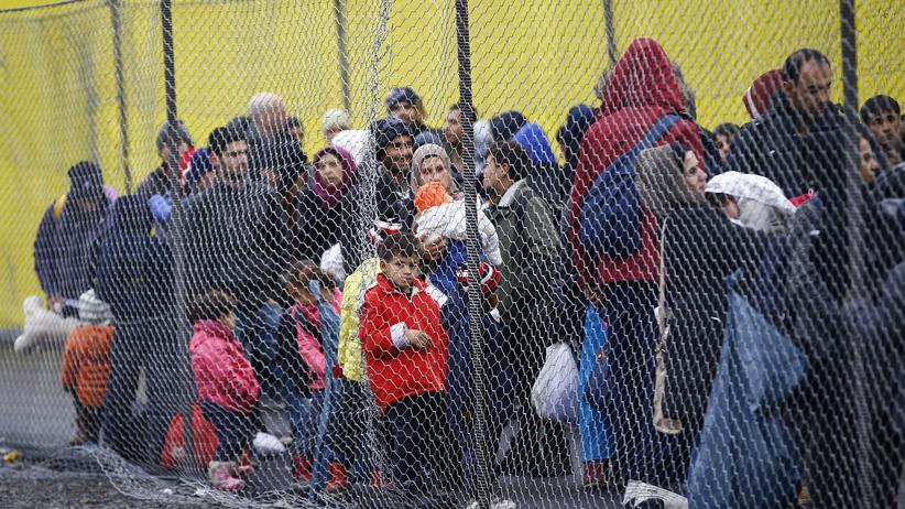 Flüchtlinge Zaun Grenze Österreich