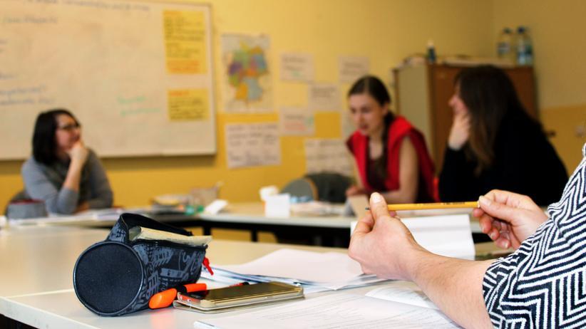 Integrationskurse: Im Integrationskurs lernen die Schülerinnen Deutschland und tauschen sich über die Situation in ihren Herkunftsländern aus.