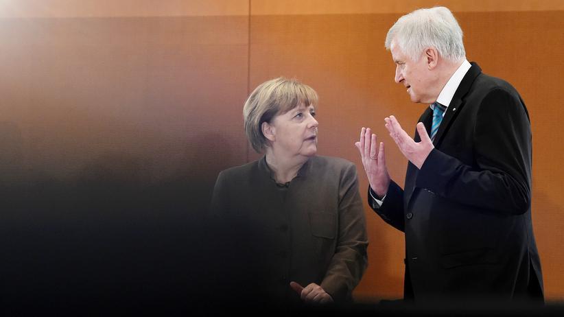 Die Vorsitzenden von CDU und CSU, Bundeskanzlerin Angela Merkel und Bayerns Ministerpräsident Horst Seehofer