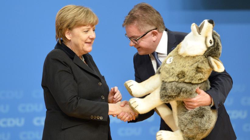 Baden-Württemberg: Bundeskanzlerin Angela Merkel mit CDU-Spitzenkandidat Guido Wolf in Karlsruhe