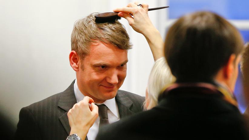 AfD: Bald Berufspolitiker: Spitzenkandidat André Poggenburg, hier kurz vor einer TV-Diskussionsrunde, war bisher selbstständiger Unternehmer.