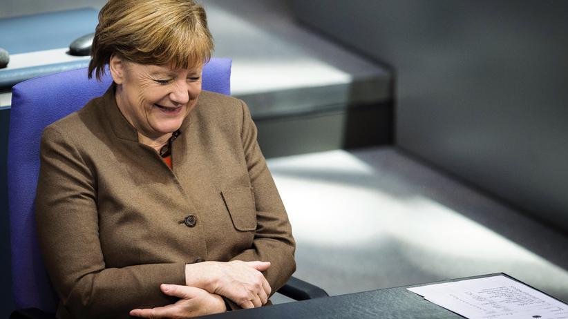 Hat wieder Anlass zu guter Laune: Kanzlerin Angela Merkel im Bundestag