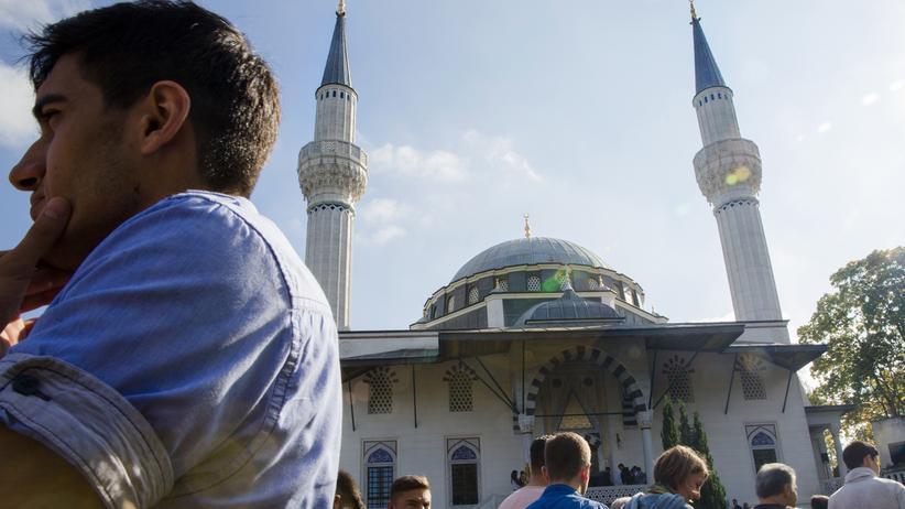 Islamgesetz: Gläubige besuchen die Sehitlik-Moschee in Berlin zum Freitagsgebet.