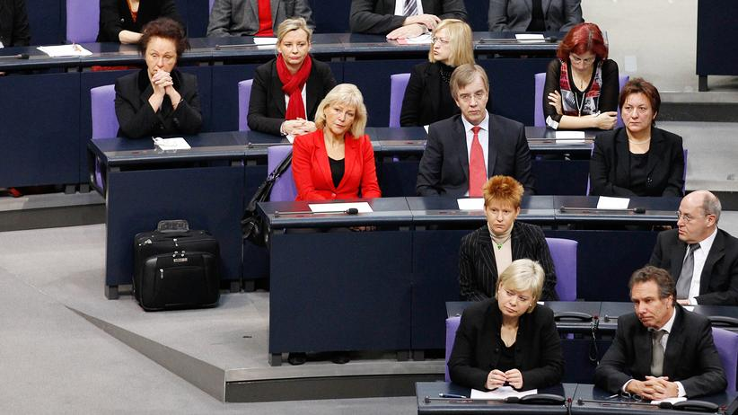 Mitglieder der Linkspartei im Berliner Reichstagsgebäude
