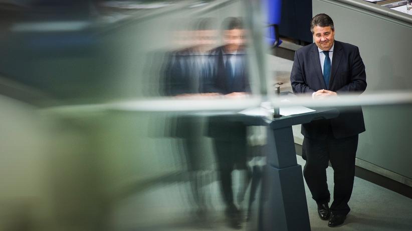Der SPD-Parteivorsitzende und Vizekanzler Sigmar Gabriel 2015 im Willy-Brandt-Haus