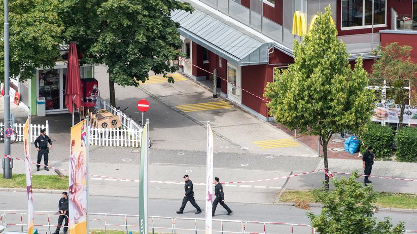 Angriff in München: Der Tatort am Tag danach: Das Schnellrestaurant am Einkaufszentrum OEZ in München