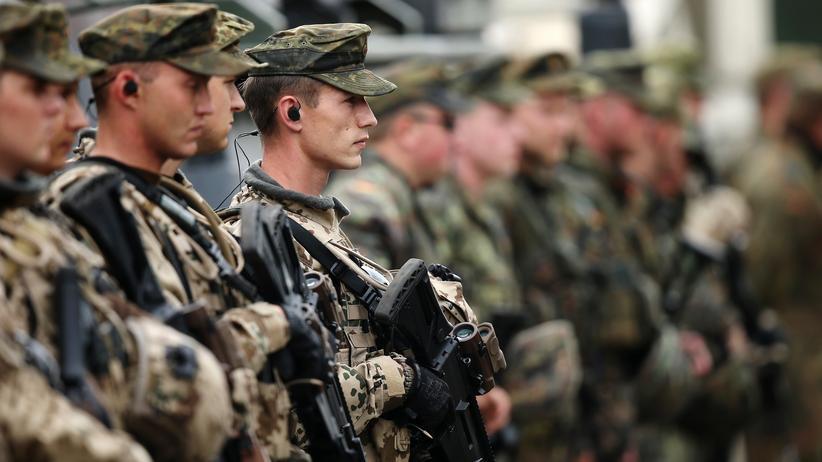 Innere Sicherheit: Darf von der Leyen die Bundeswehr im Inneren einsetzen?