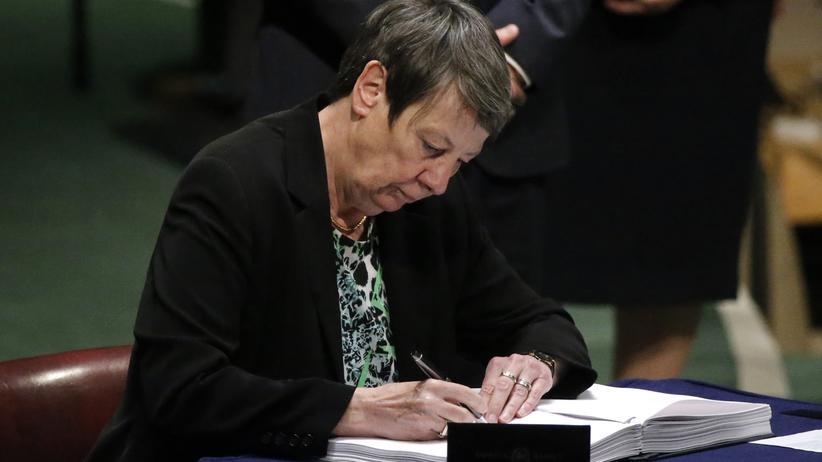 Grundgesetzänderung: Hendricks will mit Grundgesetzänderung sozialen Wohnungsbau fördern