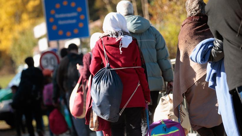 Flüchtlingskrise: 15.000 Flüchtlinge an deutscher Grenze abgewiesen