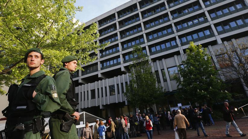 nsu, verfassungsschutz, polizei