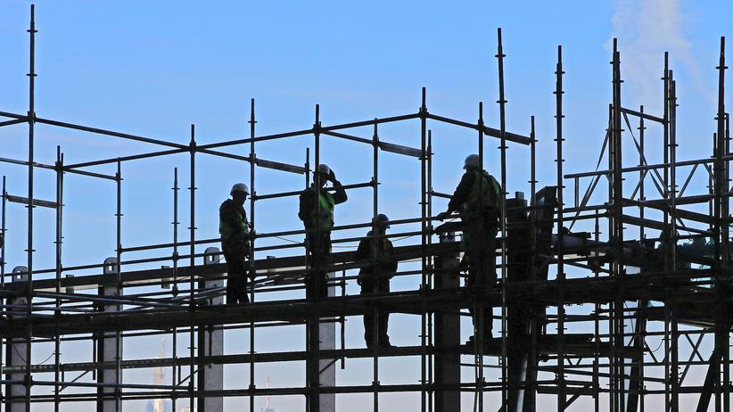 Arbeitsmigration: Von Januar bis September 2016 wurden von den deutschen Auslandsvertretungen 15.500 Visa für Arbeitsmigranten aus Albanien, Kosovo, Serbien, Mazedonien, Bosnien-Herzegowina und Montenegro ausgestellt.