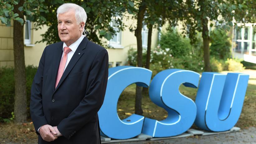 Parteitag: Bayerns Ministerpräsident Horst Seehofer (CSU) im September auf Schloss Schwarzenfeld bei Regensburg