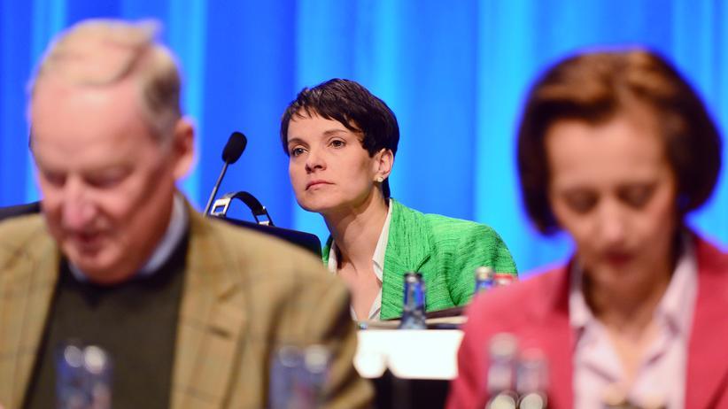 Alternative für Deutschland: Die Bundesvorsitzende der AfD, Frauke Petry, beim Bundesparteitag im Mai 2016