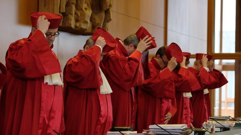 Verfassungsklagen: Schon jetzt mit Einzelklagen überlastet: Richter des Bundesverfassungsgerichts in Karlsruhe