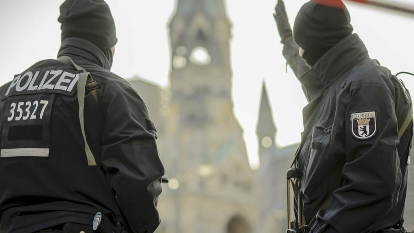 Anschlag in Berlin: Polizisten in Berlin