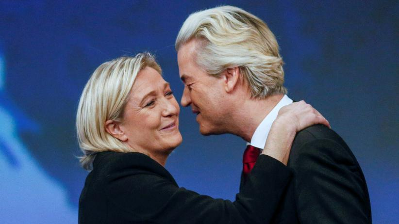 Populismus: Knüpfen ein rechtes Netzwerk in Europa: die Vorsitzendes des rechtsextremen französischen Front National, Marine Le Pen, und der Chef der rechtsgerichteten niederländischen Freiheitspartei, Geert Wilders.