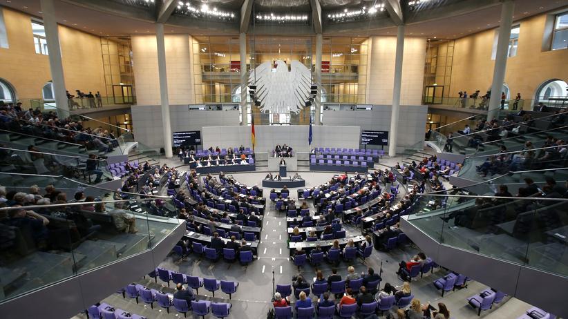 Wahltermin: Blick auf den Sitzungssaal des Bundestags