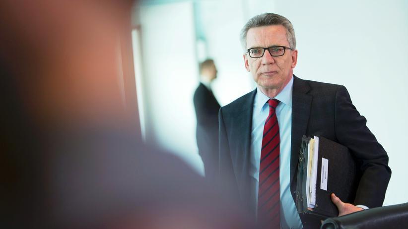 Terroranschlag in Berlin: Bundesinnenminister Thomas de Maizière auf einem Kabinettstreffen im Bundeskanzleramt