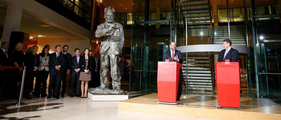 Sigmar Gabriel und Martin Schulz am Dienstagabend im Willy-Brandt-Haus