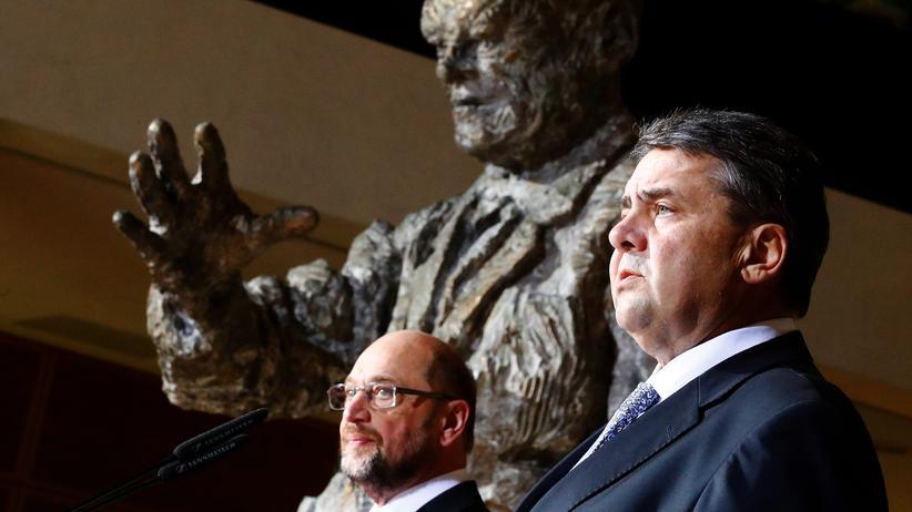 Presseschau SPD: Martin Schulz und Sigmar Gabriel verkünden die SPD-Kanzlerkandidatur von Schulz.