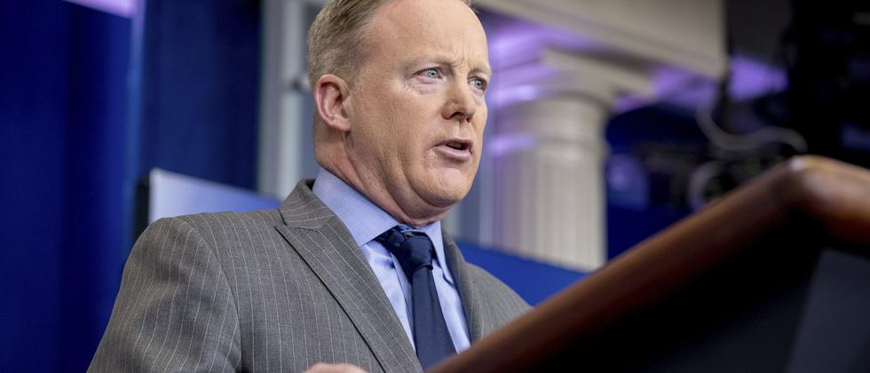 Sean Spicer während seiner ersten Pressekonferenz im Weißen Haus
