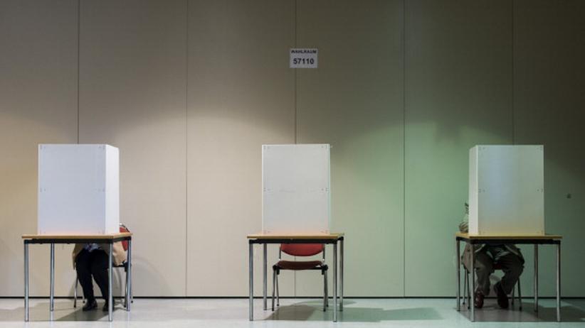 Wahlen: In einem Wahllokal während der letzten Bundestagswahl im September 2013