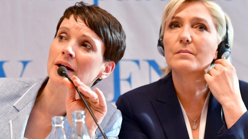 AfD: Einer der Kritikpunkte an Petry: Ihr Treffen mit der französischen Präsidentschaftskandidatin Le Pen.