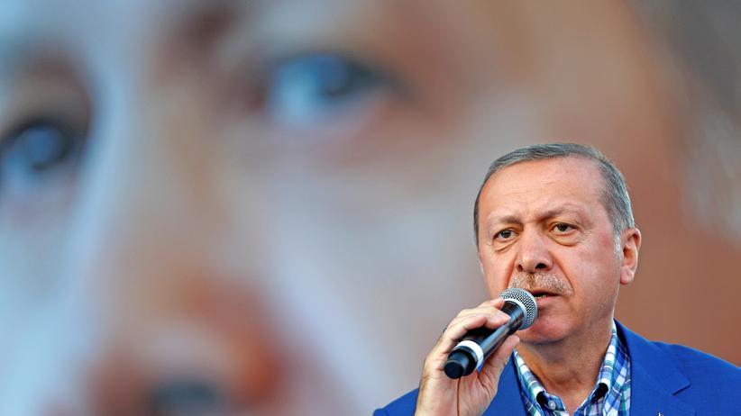Erdoğan-Auftritt: Recep Tayyip Erdoğan bei einem Auftritt im August 2016 in Gaziantep in der Türkei