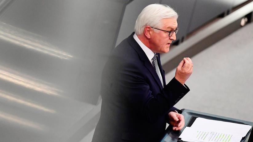 Frank-Walter Steinmeier: Frank-Walter Steinmeier bei seiner Antrittsrede im Bundestag