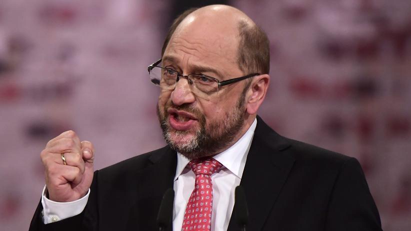 Martin Schulz: Martin Schulz nach seiner Rede auf dem Sonderparteitag der SPD, auf dem er zum Parteivorsitzenden und Kanzlerkandidaten gewählt wurde
