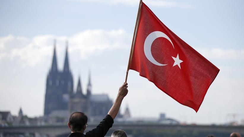 Ausländerwahlrecht: CDU warnt vor AKP-Vertretern in deutschen Stadträten