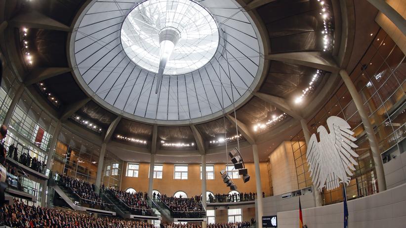 Parlament: Sitzung des Deutschen Bundestages in Berlin (Archiv)