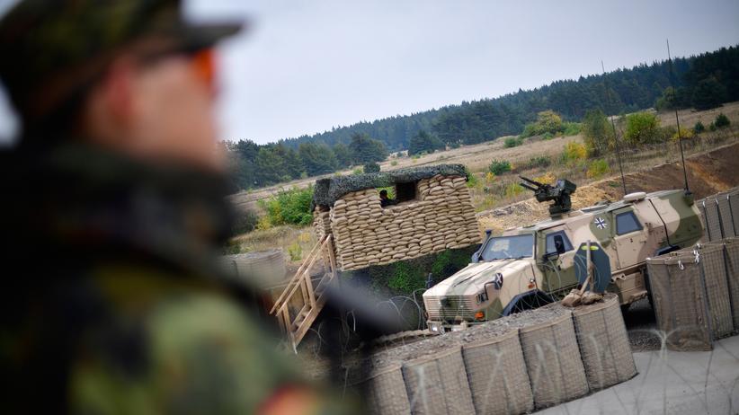 """Bundeswehr: """"Das, was die Bundeswehr braucht, ist Berechenbarkeit in ihrer Entwicklung"""", sagt die Kanzlerin."""