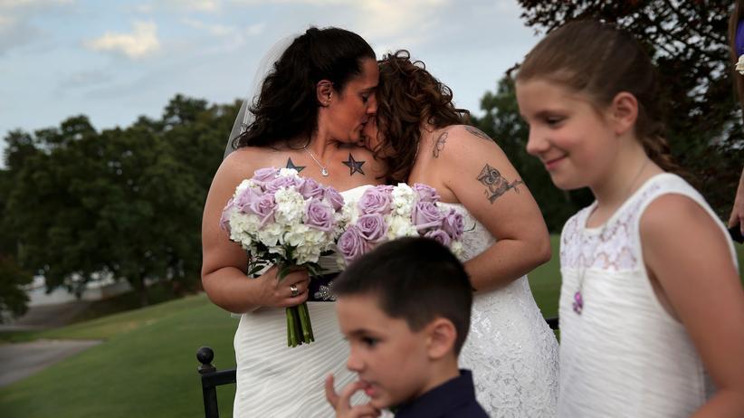 Gleichberechtigung: Die Grünen wollen die Ehe zwischen gleichgeschlechtlichen Paaren nun über das Bundesverfassungsgericht erzwingen.
