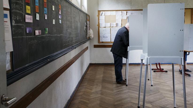 Landtagswahl in Schleswig-Holstein: Stimmabgabe bei der Landtagswahl in Schleswig-Holstein