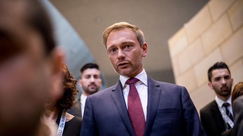 """Regierungsbildung in NRW: Sieht die CDU in NRW nicht als """"Wunschpartner"""": FDP-Chef Christian Lindner am Wahlabend"""