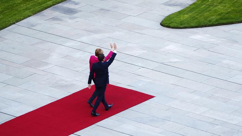 Emmanuel Macron: Bundeskanzlerin Angela Merkel und der neue französische Präsident Emmanuel Macron vor dem Bundeskanzleramt