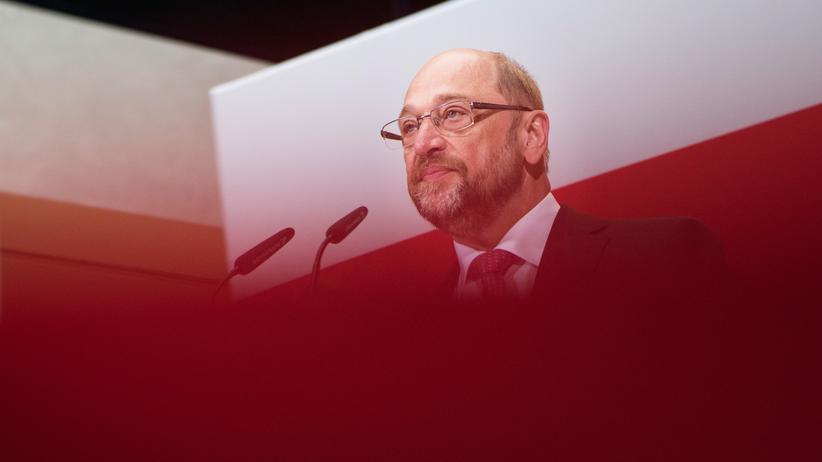 Martin Schulz: Martin Schulz spricht nach der Niederlage in NRW zu den Genossen.